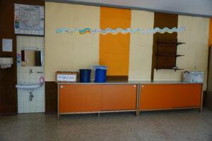 ...ein'altes, leeres' Klassenzimmer...